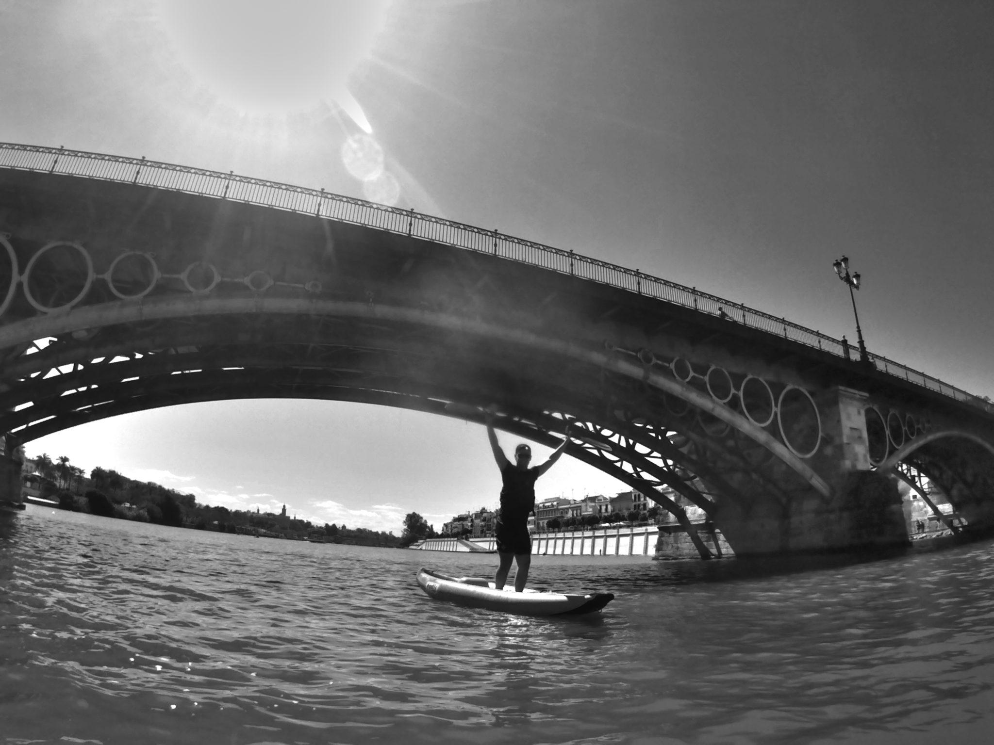 kayak en sevilla - Puente de Triana